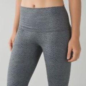 Lululemon Wunder Under Pants Size 4